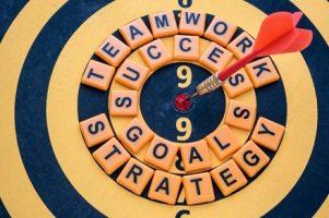 dardo-alvo-bullseye-sucesso-palavras_1357-75