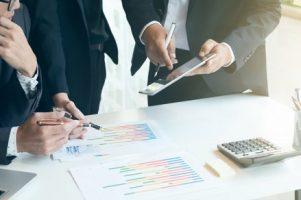 business-teamwork-meeting-to-discuss_1421-204